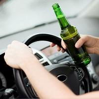Факт употребления алкоголя за рулем будет определяться наличием спирта не только в выдыхаемом воздухе, но и в крови (с 3 июля)