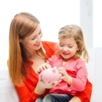 Установлен порядок осуществления допвыплат на детей до 3 лет семьям, имеющим право на маткапитал