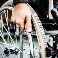 Столичные власти намерены до конца года обеспечить инвалидов-колясочников специализированным жильем