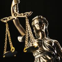 При обжаловании отказа в проведении внеочередного собрания в ООО важно правильно определить способ защиты права: первое решение суда с упоминанием коронавируса