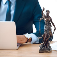 1 июня по всей стране адвокаты окажут бесплатную юридическую помощь