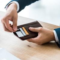 Банк России разъяснил, как магазинам выдавать покупателям наличные с карт