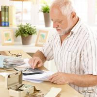 Граждан старше 70 лет могут освободить от уплаты взносов на капремонт