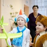 К работникам организаций для детей-сирот планируется установить повышенные требования