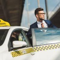Минфин России разъяснил порядок обложения НДФЛ компенсации работникам проезда на такси