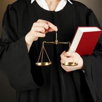 Порядок привлечения находящихся в отставке судей к исполнению обязанностей судьи могут уточнить