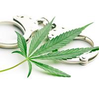 За неоднократное потребление наркотиков без назначения врача могут установить уголовную ответственность