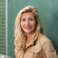 Выплаты педагогам за классное руководство облагаются НДФЛ