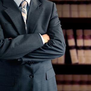 Мал адвокат, да дорог