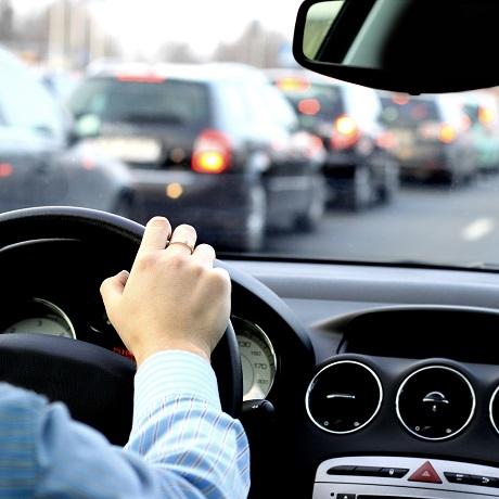 Закрепление за работником служебного автомобиля для рабочих поездок не обязывает его проходить предрейсовый медосмотр