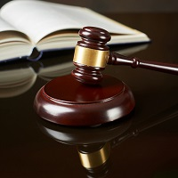 Активное участие в судебном разбирательстве может свидетельствовать о том, что юрлицо является действующим