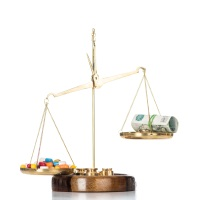 Депутаты предлагают выдавать гражданам субсидии на покупку жизненно необходимых и важнейших лекарств