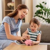 Определены правила назначения новых пособий беременным и неполным семьям
