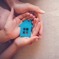Утверждена программа льготного ипотечного кредитования семей с детьми