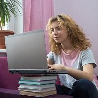 Проект закона о снижении стоимости за обучение в дистанционном формате более двух недель поступил в Госдуму