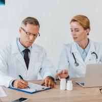 Удостоверения на медизделия, выданные до 2013 года, необходимо заменить до конца декабря