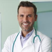 Медикам могут предоставить специальную защиту