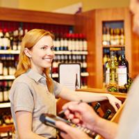 Ответственность предпринимателей за нарушение правил продажи и декларирования алкогольной продукции могут усилить