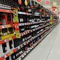 Продавать алкоголь могут разрешить исключительно в специализированных магазинах