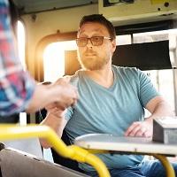 Ответственность ИП и юрлиц за неприменение ККТ при продаже билетов в общественном транспорте  предлагается отложить до 1 октября