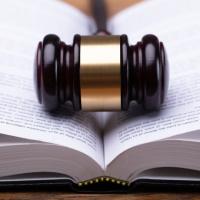 В первом чтении приняты поправки к Закону о КС РФ