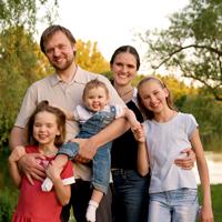 Многодетным родителям могут на 30% увеличить размер фиксированной выплаты к страховой пенсии