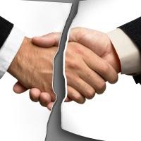 Введен в действие запрет на передачу коллекторам долгов граждан по ЖКХ