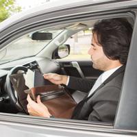 Автомобиль могут запретить забирать на штрафстоянку в случае отсутствия у водителя при себе водительских прав