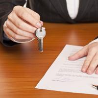 Бюджетникам могут вернуть право на приватизацию служебного жилья