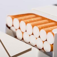 Сигаретные пачки в России могут стать одинаковыми