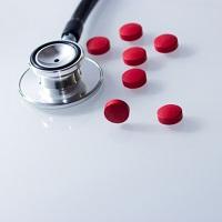 Медицинским организациям могут разрешить делать закупки у единственного поставщика на сумму не выше 400 тыс. руб.
