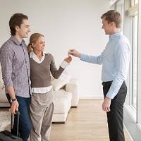 Можно ли подать в суд на человека которому подписал дарственную квартиру