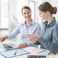 Как поступить с временным работником, если основной переводится на другую должность, не выходя на работу?