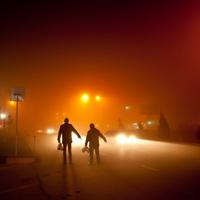 Пешеходов могут обязать в темное время суток иметь при себе предметы со световозвращающими элементами