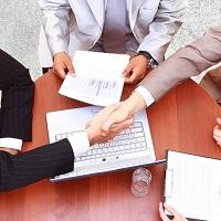 Позиции судов: в каком размере указывать в трудовом договоре оклад совместителя?