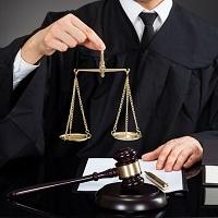 Суд: срочный трудовой договор с временным работником прекращается только с выходом на работу основного