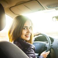 Водители могут использовать для работы в России иностранные водительские удостоверения до 1 марта 2017 года