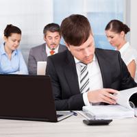 Продавец на ЕНВД должен выдавать документ об оплате только по требованию покупателя