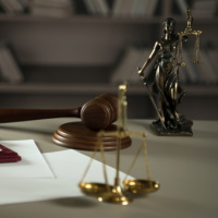 ВС РФ: включение поставщика в РНП в ходе исполнения контракта не является основанием для отказа заказчика от исполнения контракта