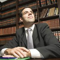 Адвокатов могут освободить от обязанности предъявлять документ об образовании для участия в административном процессе