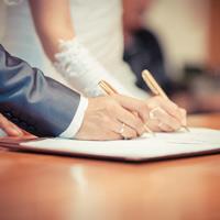 У граждан может появиться возможность при наличии уважительных причин подать заявление в ЗАГС за полгода до дня бракосочетания
