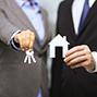 39% респондентов выступают за сокращение ставки налога, которым облагаются доходы владельцев жилья
