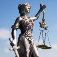 Мировых судей будут переназначать на неограниченный срок