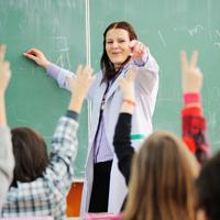 Гражданам, судимым за реабилитацию нацизма, могут запретить заниматься преподавательской деятельностью