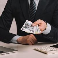 Индексацию зарплаты работникам можно не проводить, если у компании сложное материальное положение