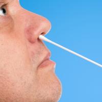 Роспотребнадзор не рекомендует есть перед сдачей ПЦР-теста на COVID-19