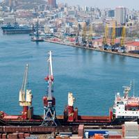 В Госдуму внесены законопроекты о создании свободного порта Владивосток