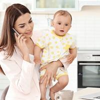 ВС РФ снова пояснил, что сокращения продолжительности рабочего времени на один час для сохранения права на пособие по уходу за ребенком недостаточно