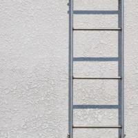 Минфин России разъяснил порядок учета пожарных лестниц