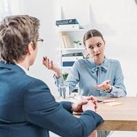 КС РФ вновь напомнил о праве работодателей предлагать сокращаемым работникам временную работу